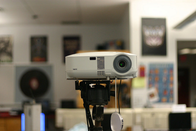 Cheap Projectors Under $100 Buying Guide